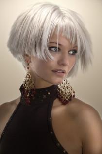 Avantgarde, Wasserstoffgebleichtes Haar, Kurzhaarfrisur Modern